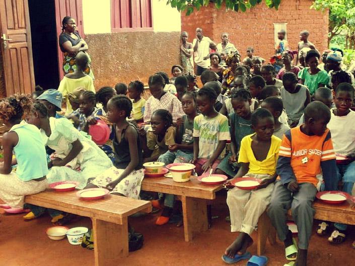 Centre de renutrition à Bangui, dispensaire de l'ONG Coeurs Charitables