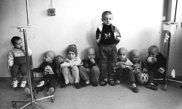 Enfants à Tchernobyl