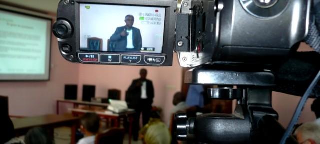 enregistrement des conférences aux 4ème colloque international sur la spiruline à Yaoudé, au Cameroun